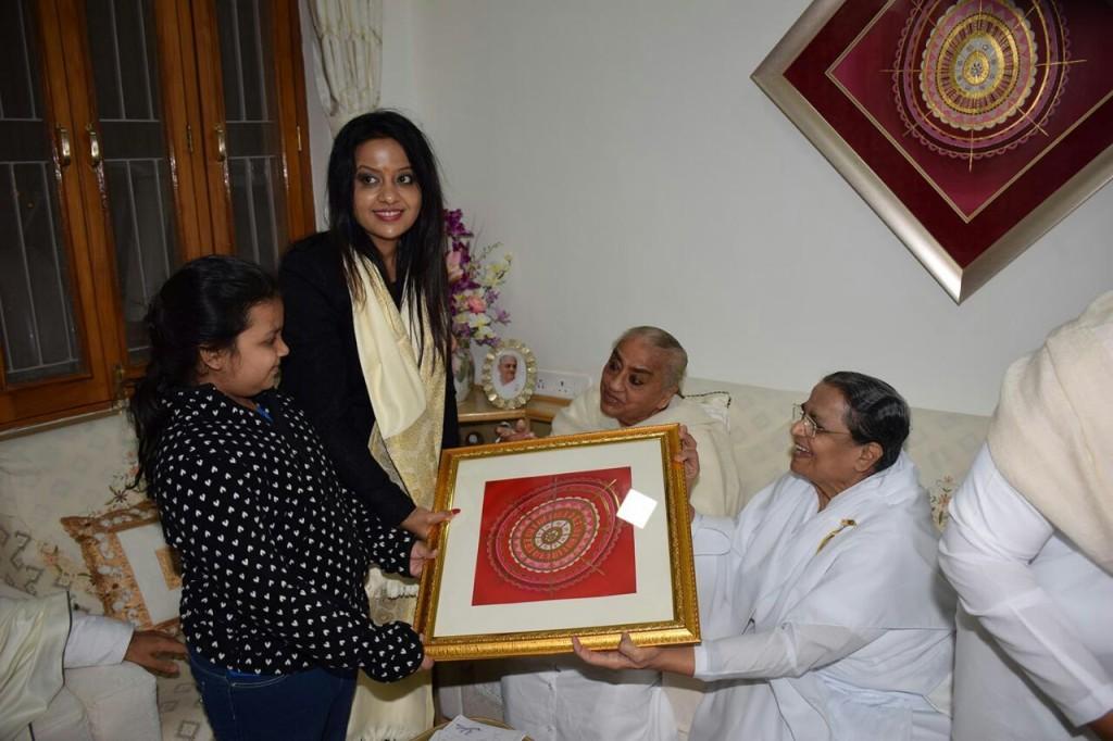 Mrs Amruta Devendra Fadnavis visits Brahmakumaris Intl'HQ in Mt Abu.